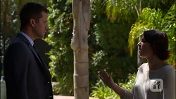Mark Brennan, Naomi Canning in Neighbours Episode 7110