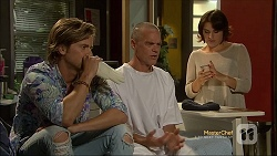 Daniel Robinson, Paul Robinson, Naomi Canning in Neighbours Episode 7112