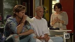 Daniel Robinson, Paul Robinson, Naomi Canning in Neighbours Episode 7112
