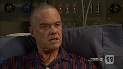 Paul Robinson in Neighbours Episode 7112