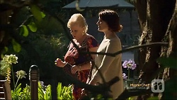 Sheila Canning, Naomi Canning in Neighbours Episode 7112