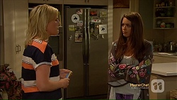 Lauren Turner, Paige Novak in Neighbours Episode 7113