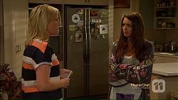 Lauren Turner, Paige Smith in Neighbours Episode 7113