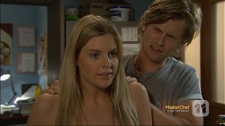 Amber Turner, Daniel Robinson in Neighbours Episode 7115