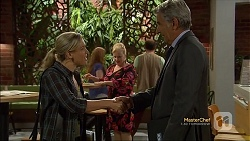Georgia Brooks, Sheila Canning, Trevor McCann in Neighbours Episode 7116