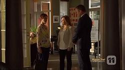 Susan Kennedy, Terese Willis, Ezra Hanley in Neighbours Episode 7119