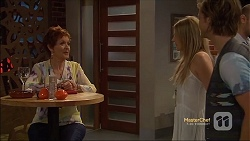 Susan Kennedy, Amber Turner, Daniel Robinson in Neighbours Episode 7119