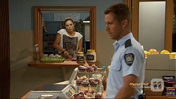 Paige Novak, Mark Brennan in Neighbours Episode 7121