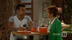 Nate Kinski, Susan Kennedy in Neighbours Episode 7124