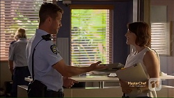 Mark Brennan, Naomi Canning in Neighbours Episode 7124