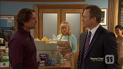 Brad Willis, Lauren Turner, Ezra Hanley in Neighbours Episode 7124