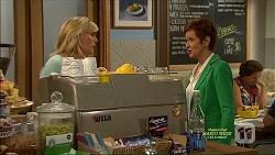Lauren Turner, Susan Kennedy in Neighbours Episode 7125