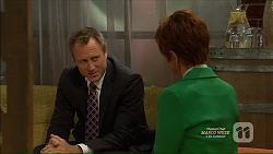 Ezra Hanley, Susan Kennedy in Neighbours Episode 7125