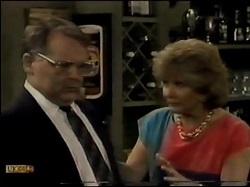 Harold Bishop, Madge Bishop in Neighbours Episode 0482