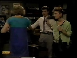 Madge Mitchell, Paul Robinson, Gail Lewis in Neighbours Episode 0482