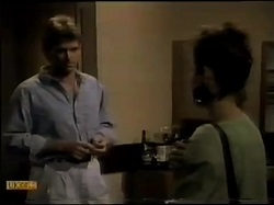 Jeremy Lord, Gail Robinson in Neighbours Episode 0483