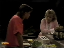 Mike Young, Daphne Clarke in Neighbours Episode 0483