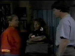 Sue Parker, Charlene Mitchell, Warren Murphy in Neighbours Episode 0484