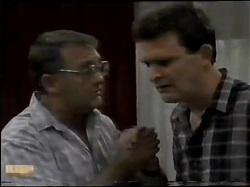 Harold Bishop, Des Clarke in Neighbours Episode 0484