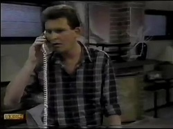 Des Clarke in Neighbours Episode 0484