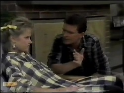 Daphne Clarke, Des Clarke in Neighbours Episode 0484