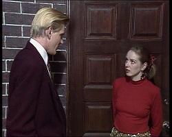 Simon Hunter, Melanie Pearson in Neighbours Episode 1520