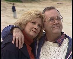 Madge Bishop, Harold Bishop in Neighbours Episode 1520