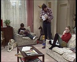 Bouncer, Toby Mangel, Joe Mangel, Melanie Pearson in Neighbours Episode 1520