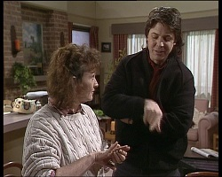 Pam Willis, Joe Mangel in Neighbours Episode 1521