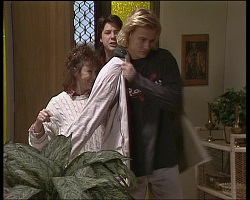 Pam Willis, Joe Mangel, Brad Willis in Neighbours Episode 1521
