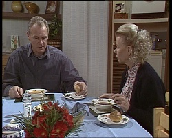 Jim Robinson, Helen Daniels in Neighbours Episode 1521