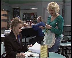 Felicity Brent, Brenda Riley in Neighbours Episode 1521