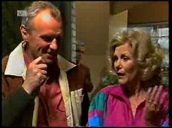 Jim Robinson, Madge Bishop in Neighbours Episode 1720
