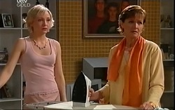 Sindi Watts, Susan Kennedy in Neighbours Episode 4664