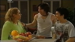 Janelle Timmins, Dylan Timmins, Stingray Timmins in Neighbours Episode 4673