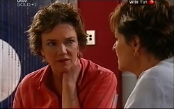 Lyn Scully, Susan Kennedy in Neighbours Episode 4702