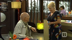 Dave (Fake Walter), Sheila Canning in Neighbours Episode 6672