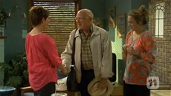 Susan Kennedy, Dave (Fake Walter), Sonya Mitchell in Neighbours Episode 6672