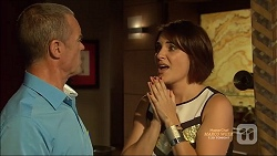 Paul Robinson, Naomi Canning in Neighbours Episode 7127