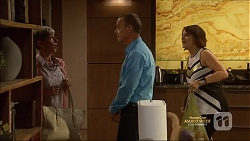 Hilary Robinson, Paul Robinson, Naomi Canning in Neighbours Episode 7127