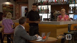 Ezra Hanley, Nate Kinski, Sheila Canning in Neighbours Episode 7128