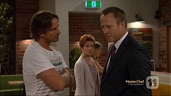 Brad Willis, Susan Kennedy, Ezra Hanley in Neighbours Episode 7130