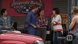 Tyler Brennan, Paige Novak, Naomi Canning in Neighbours Episode 7130