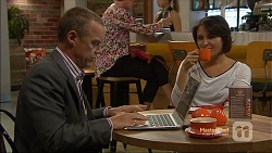 Paul Robinson, Naomi Canning in Neighbours Episode 7131