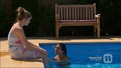Amber Turner, Paige Novak in Neighbours Episode 7134