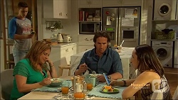 Josh Willis, Terese Willis, Brad Willis, Imogen Willis in Neighbours Episode 7134