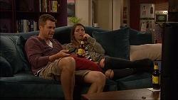 Mark Brennan, Paige Novak in Neighbours Episode 7136