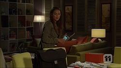 Paige Novak in Neighbours Episode 7136