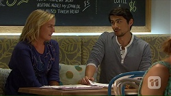 Lauren Turner, Robin Dawal in Neighbours Episode 7139