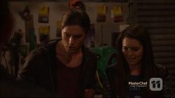 Tyler Brennan, Paige Novak in Neighbours Episode 7142